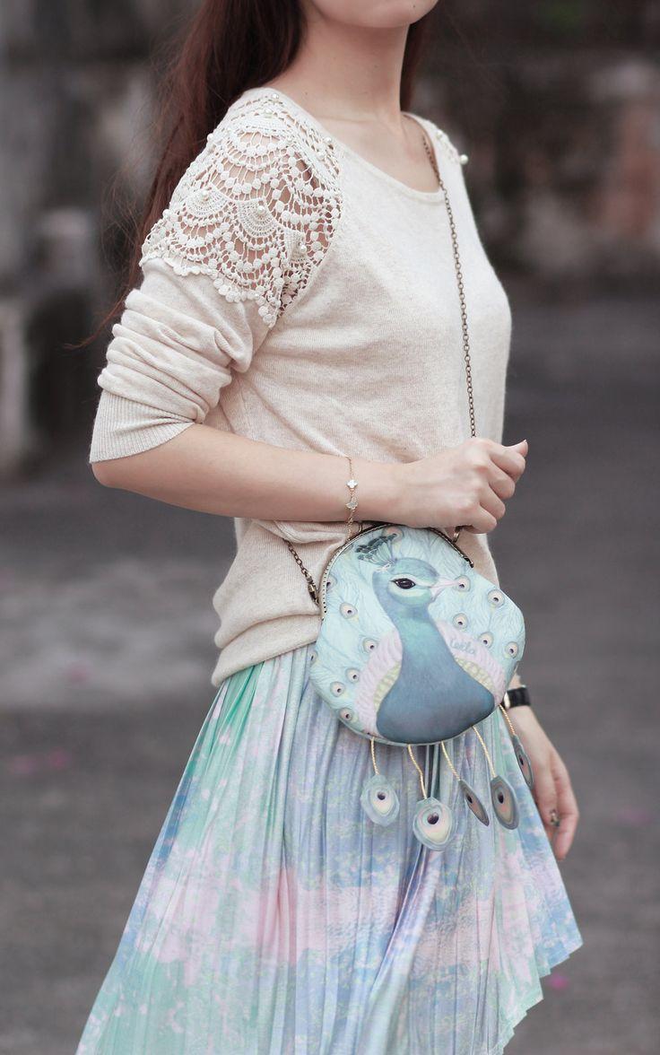 lace detail via Mayo Wo