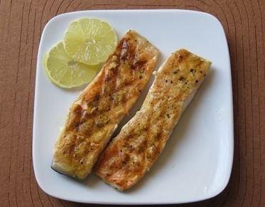 Filet z łososia z pieprzem cytrynowym