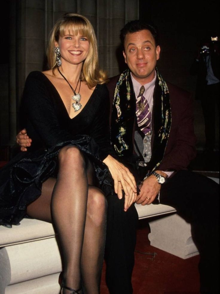 brinkley mature dating site Former supermodel christie brinkley is parting ways with her husband of nearly 10 years, architect peter cook, with whom she'd lived in new york's hamptons.