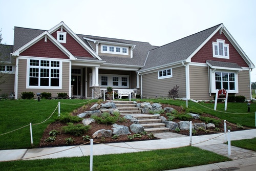 Craftsman exterior design roof lines my dream home for Craftsman roofing