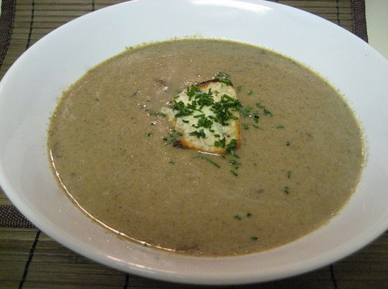 Mushroom soup with blue cheese toasts - two of my favorite things in ...