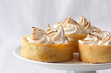 Pumpkin Meringue Tartelettes — Punchfork | Sweet tooth | Pinterest
