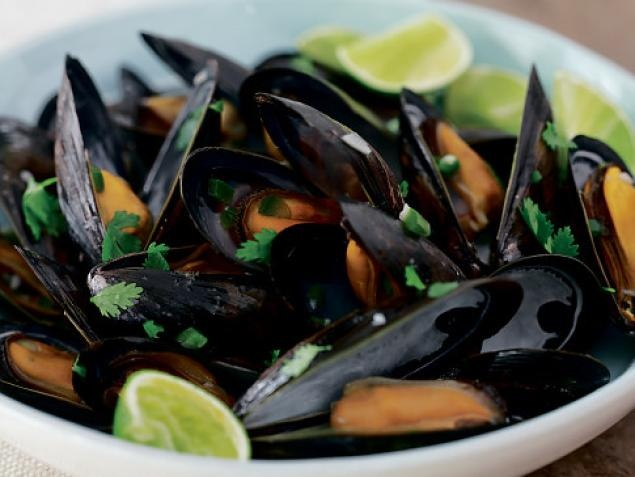 Beer-Steamed Mussels with Cilantro | Recipe
