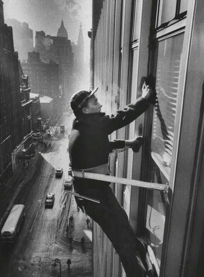 Window cleaner- New York, 1957 | Black and white pics | Pinterest
