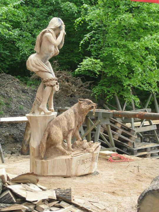 Chainsaw carvings by sculptor bob king ainsawking