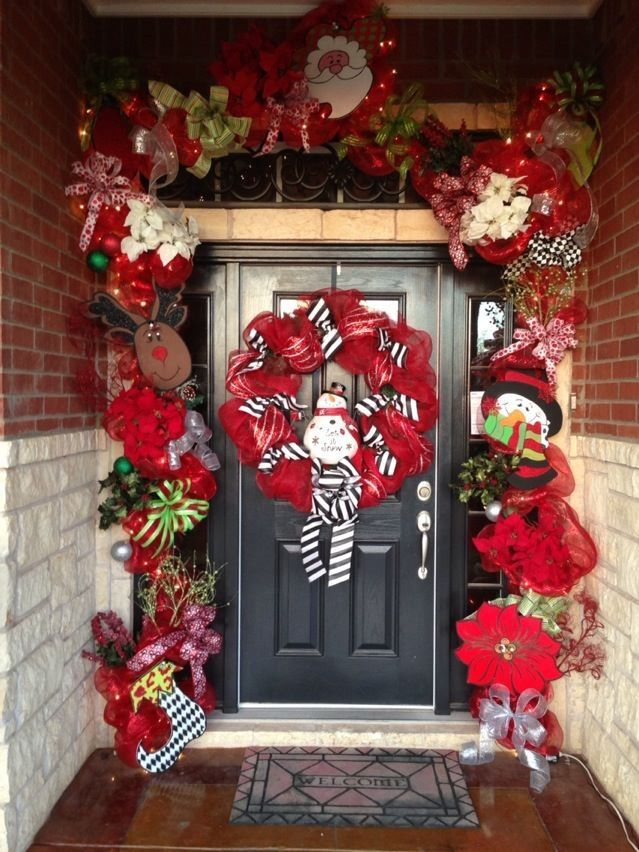 Front door christmas garland merry christmas d pinterest for Door garland christmas