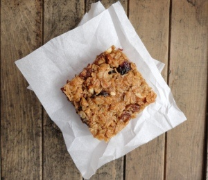 Thick & Chewy Granola Bars | Vegan Snacks and Apps | Pinterest