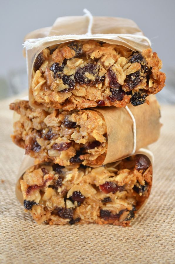Thick and Chewy Granola Bars from sprinkledsideup.com