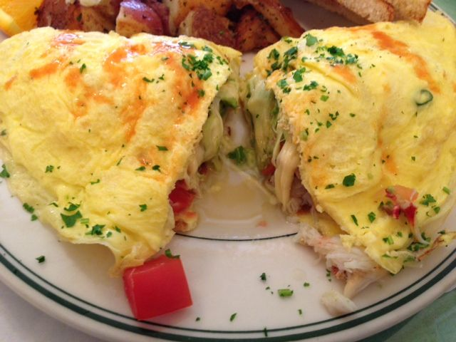 dungeness crab omelette - Google Search | Great eats-Yummy yum yum ...
