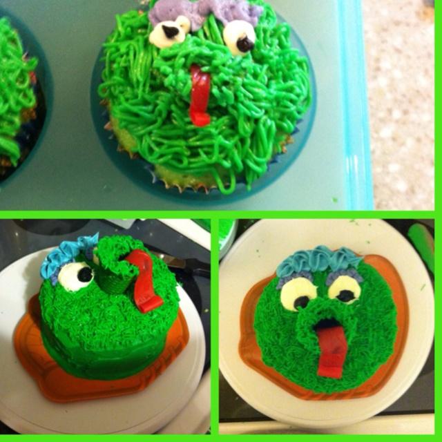Phanatic smash cake and cupcakes for phillies birthday