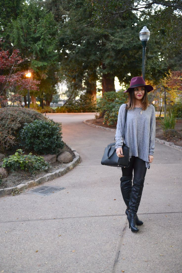 easy comfy outfit {love this burgundy hat}