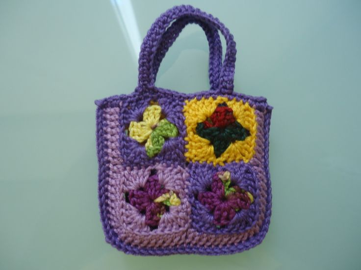 Barbie Granny Square Shopping Tote Bag (Free Crochet Pattern)