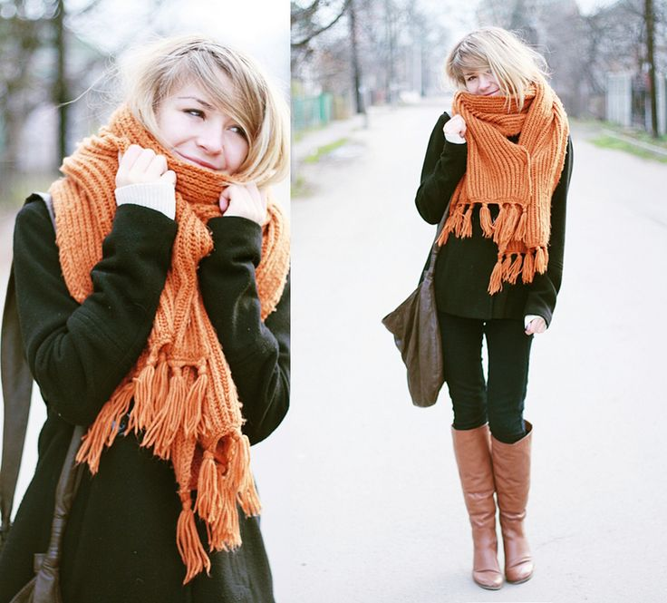 WARM SCARF--STREET COLOR  Is a daily inspiration of color palettes from street outfits.