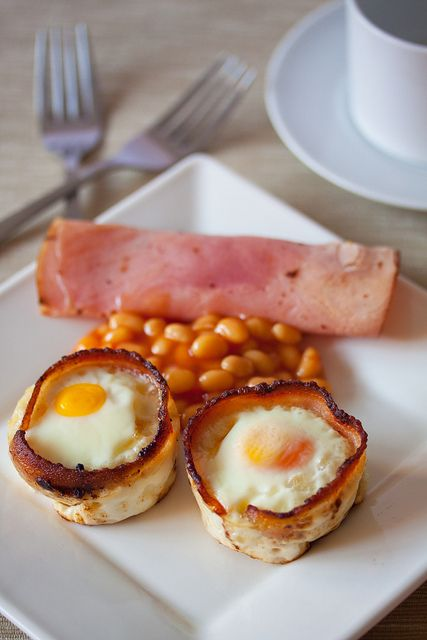 Bacon and egg toast cups. Yum! | Breakfast Ideas | Pinterest