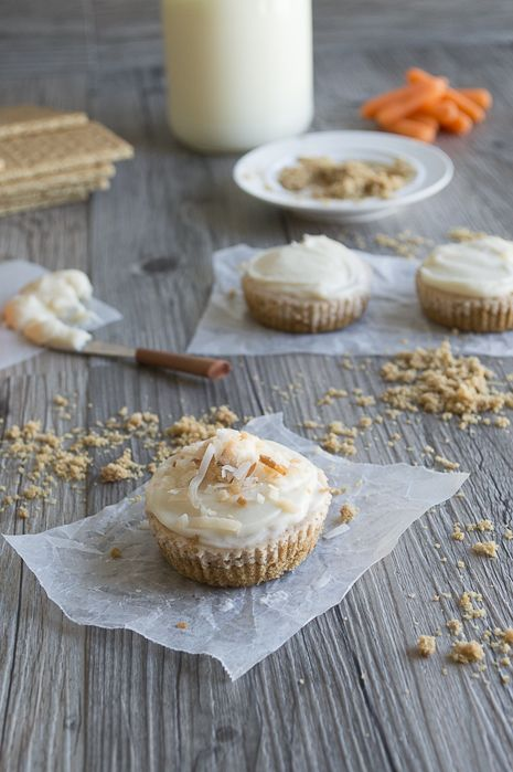 Mini Carrot Cake Cheesecakes with Cream Cheese Frosting and Toasted ...