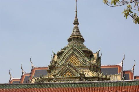 bangkok-wat-pho-temple-detailWat Pho Temple