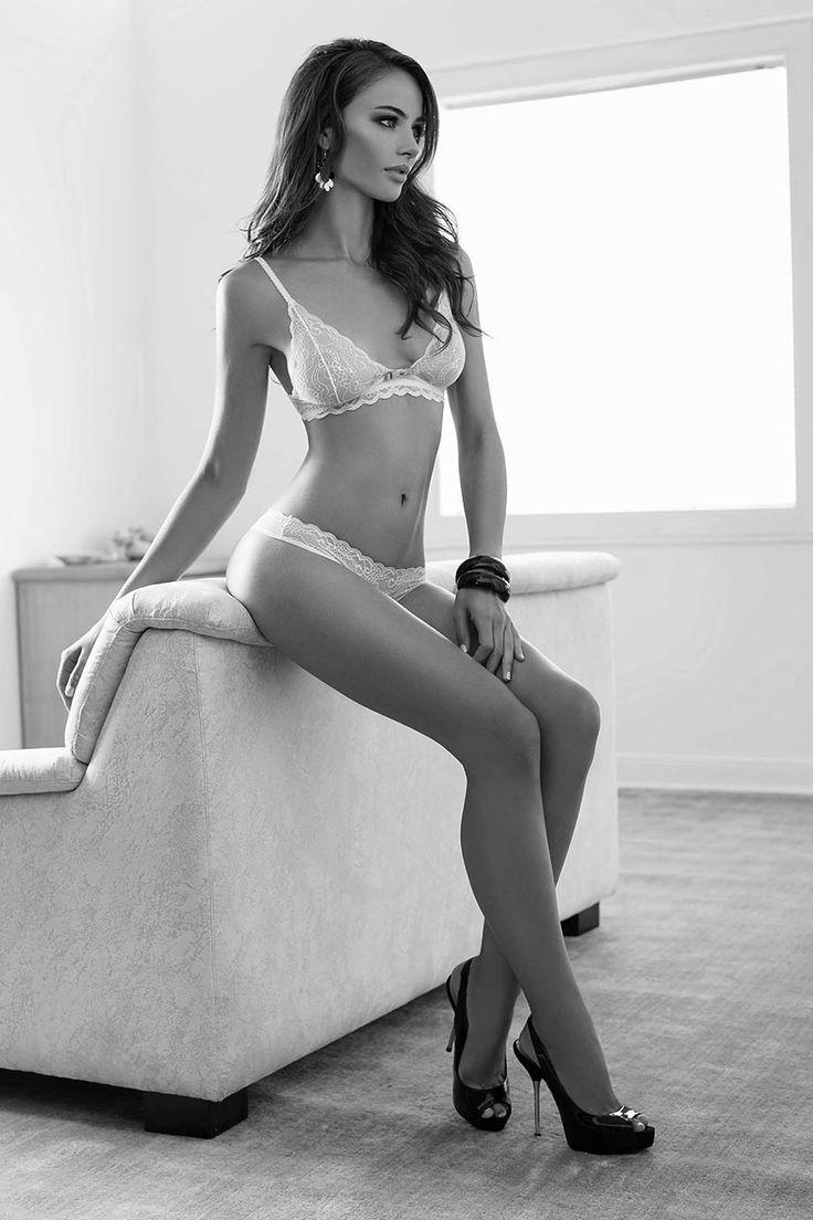 High heels babe erotica videos