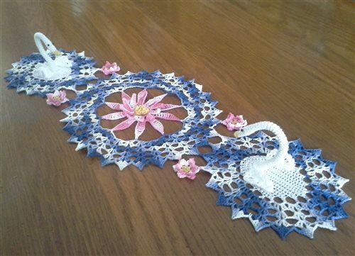 Free Crochet Swan Doily Pattern : Serene Swan Doily - Media - Crochet Me Crochet carpetas ...