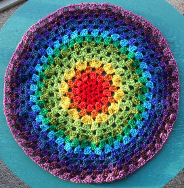 Crocheting A Circle : Granny Circle blanket crochet granny squares, afghans etc Pintere ...