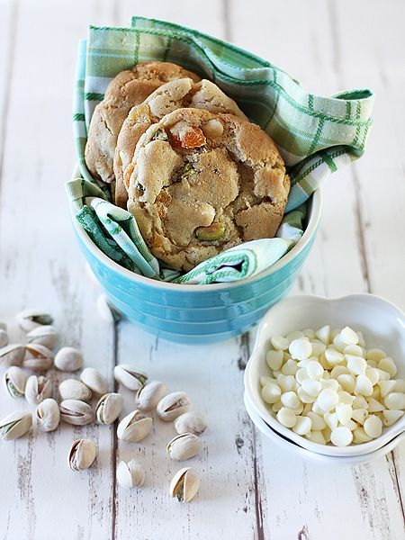 White Chocolate Chip Pistachio Cookies | delish | Pinterest