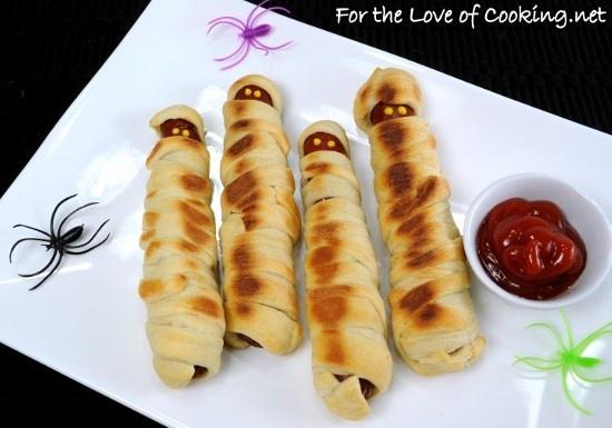 Halloween Fun ~ Hot Dog Mummies | Mama's Kids | Pinterest