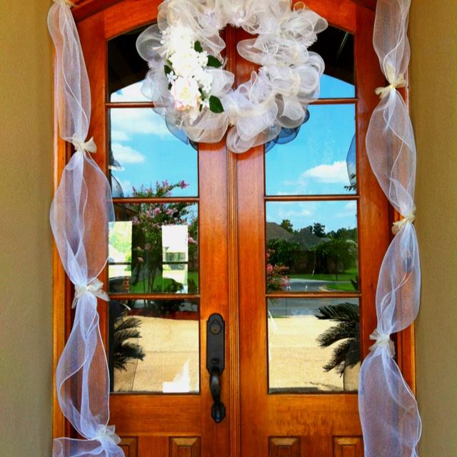 Wedding shower door decor wedding ideas pinterest for Wedding door decorating ideas
