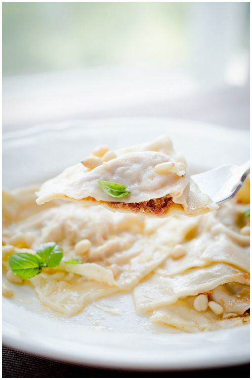 Ravioli with Tomato Ricotta filling (site is in Estonian but easily ...