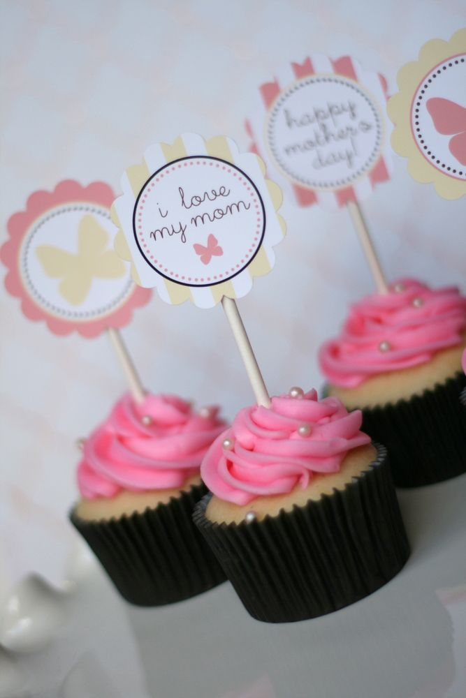 Free Printables for Mother's Day {includes gift tag and cupcake toppers!} #mothersday #printable