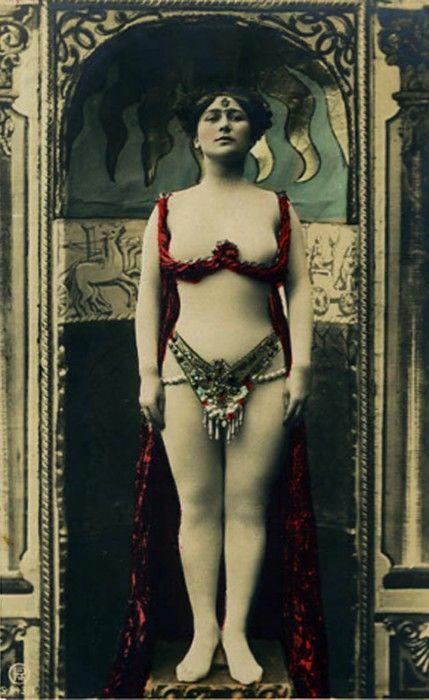 image Egyptian belly dancer dina sex tape scandal by her husband