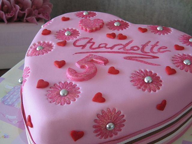 Love Heart Cake Images : Charlottes Love heart cake Cakes Pinterest