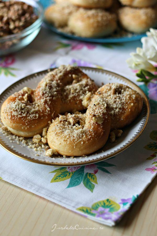 Mucenici moldovenesti | Isabela Cuisine | Desserts | Pinterest