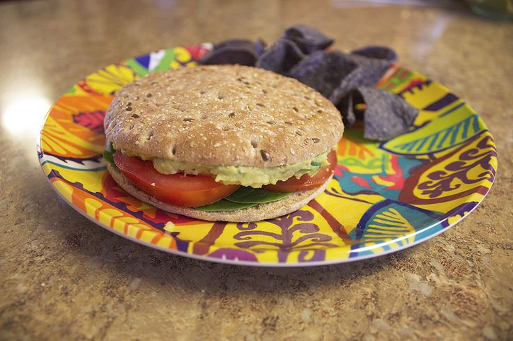 tinabumblebee: Smashed Chickpea & Avocado Salad Sandwich
