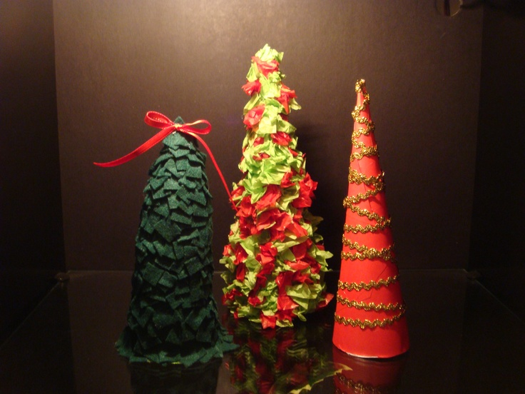 Mini christmas tree decorations eat it pinterest for Miniature tree decorated with sea shells