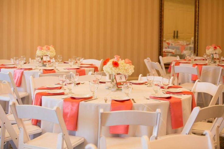 Table Settings Centerpieces For Our Coral Beach Weddinglooked Great Especially With The Up