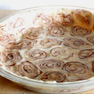 Cinnamon roll pie crust. This recipe calls for Sweet Potato Pie but I ...