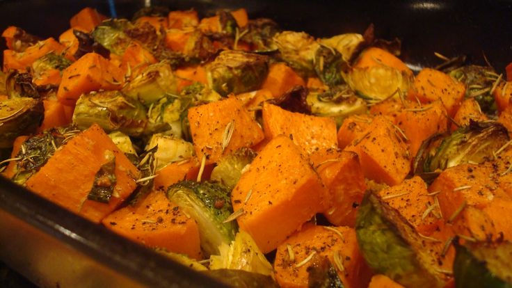 Roasted Fingerling Potatoes And Brussels Sprouts With Rosemary And ...