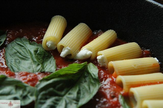 Skillet Baked Stuffed Rigatoni ~ this is such a cute little pictorial ...