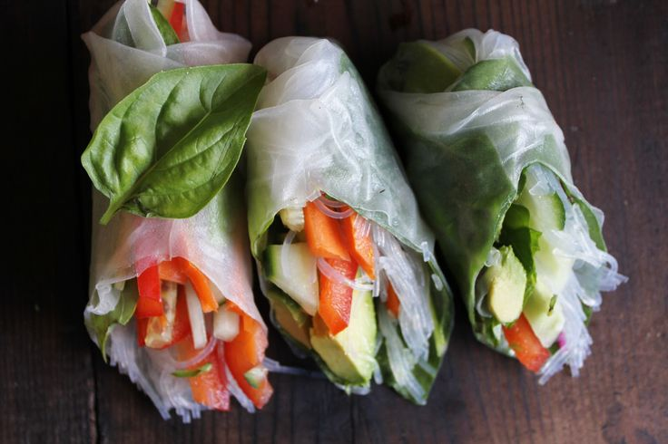 Fresh Veggie Summer Rolls with Spicy Garlic Peanut Sauce (substitute ...