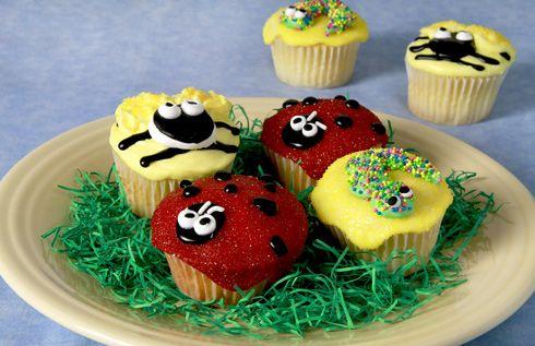 Cutie Bug Cupcakes | fun food | Pinterest