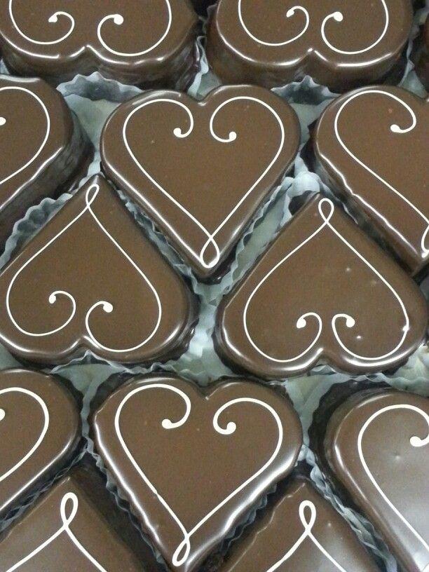 valentine day dessert chicago