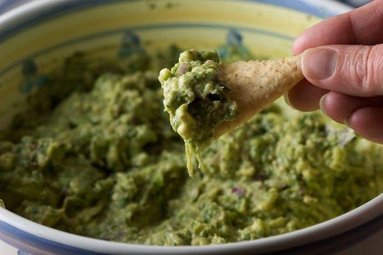 Creamy Guacamole Recipe pinchmysalt.com | Dips & Spreads | Pinterest