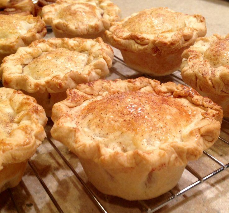Muffin tin apple pies | YUMMM! | Pinterest