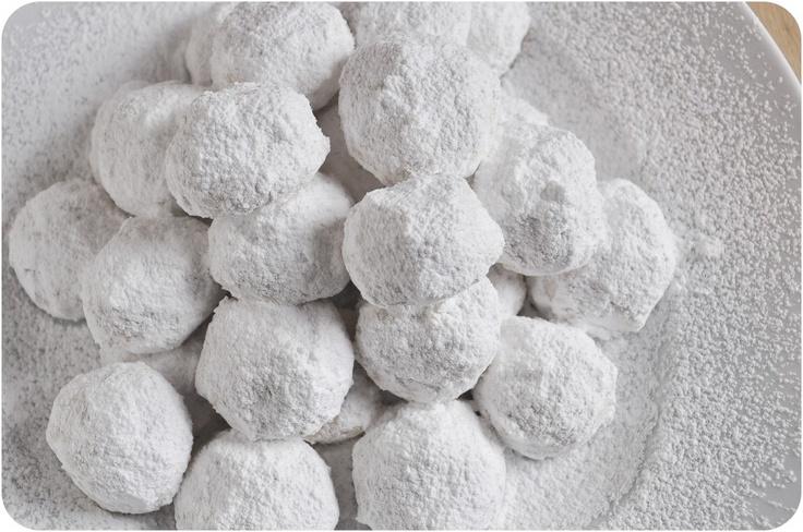 Almond Snowball Cookies from www.lemon-sugar.com