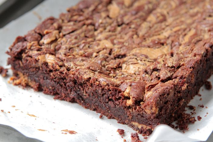 Peanut Butter Butterfinger Brownies | Recipe