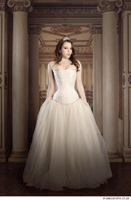 Victorian style wedding gowns chicago wedding locations for Victorian style wedding dress