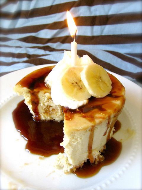 Banana Caramel Cheesecake with Macadamia Nut Crust and Caramel Rum