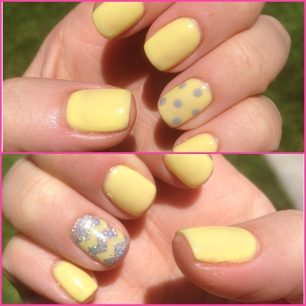 Zig-zag yellow gel nails. | I
