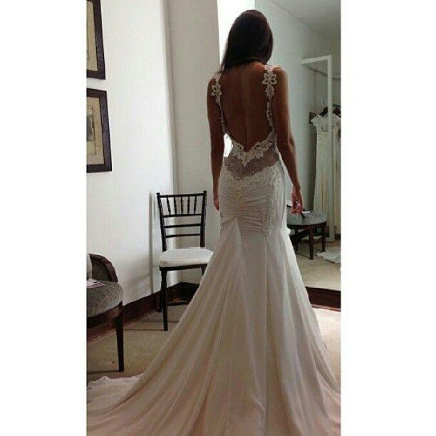 Gorgeous backless wedding dress enjoy pinterest for Gorgeous backless wedding dresses
