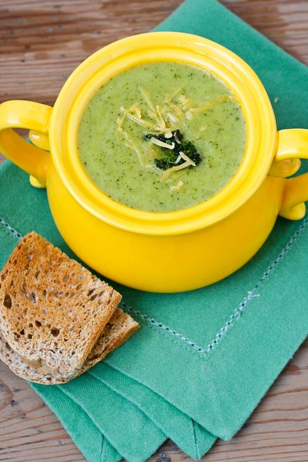 Skinny Broccoli Cheese Soup | Munchums | Pinterest
