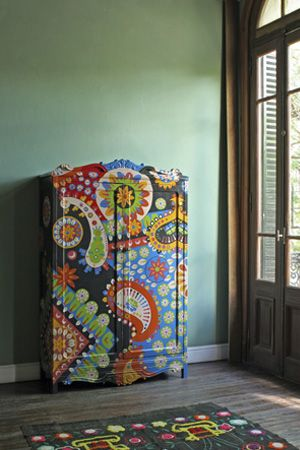 Painted Dresser.. so cool